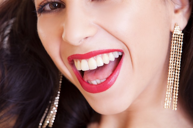 úsměv ženy
