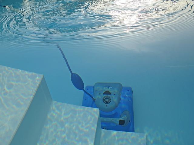 vysavač v bazénu.jpg