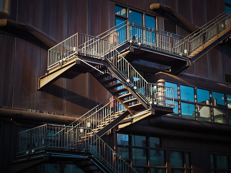 Jsou schodiště bezpečná?